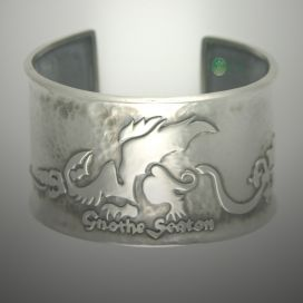 cache 272 272 0 0 80 16777215 Midevil%20Inspired%20Dragon%20Cuff - Keeping Your Silver Beautiful